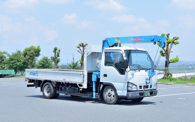 2tユニック車 株式会社AZUMA